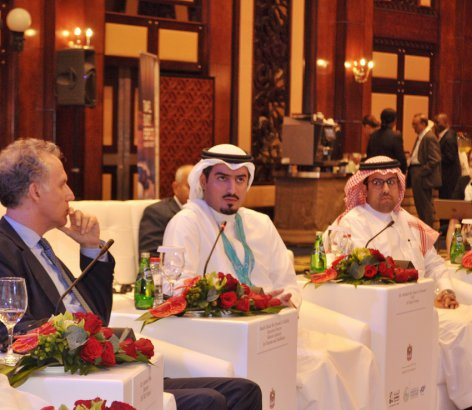 Shaikh-Khaled-bin-Humood-during-the-session-00000002-.jpg